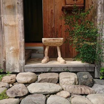 高江友作の流木家具インテリアの購入方法や価格に通販は?【マツコの知らない世界】