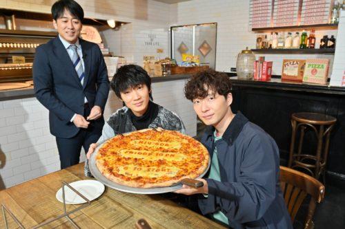 綾野剛と星野源がお忍びで通う巨大ピザや焼肉の店は『ピザスライス』と『炭火焼肉なかはら』【ぴったんこカン・カン】