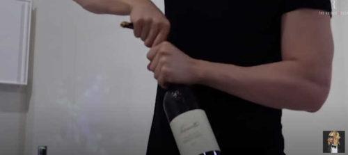 ローランドの自粛ルーティン#2で飲んでた赤ワインバローロは?通販やお取り寄せ情報